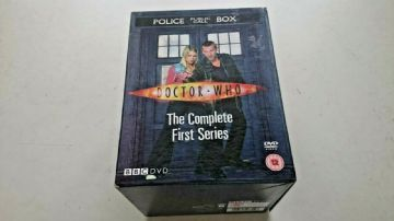 Doctor Who - Series 1 - Complete (DVD, 2005,-Disc Set) Original TARDIS Box Set